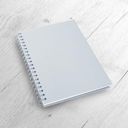 Idéal comme cadeau d'entreprise ou journal intime. A personnaliser. Disponible en A5 et A6. shutterstock 257494252 1