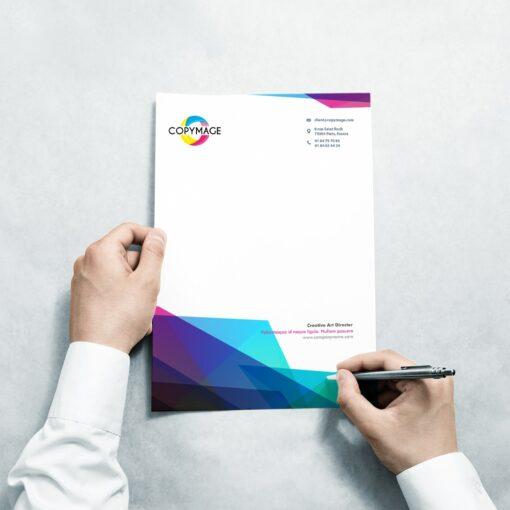 Destiné à la correspondance, elle contient les informations et l'identité de l'entreprise tete lettre 2 1