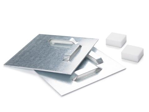 Attache adhésive métal - 3